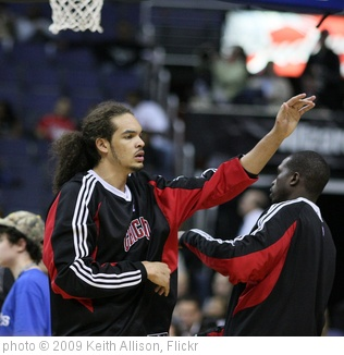 'Joakim Noah' photo (c) 2009, Keith Allison - license: http://creativecommons.org/licenses/by-sa/2.0/