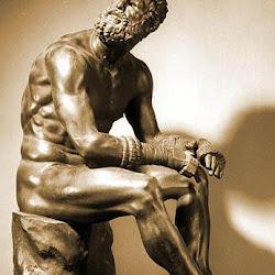 97 - Escuela de Atenas - Pugil cansado (Apolonio Nestoros)