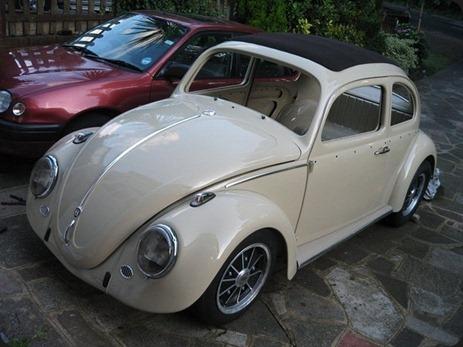 11117-00000097f-6406_VW-Beetle-Ragtop-006