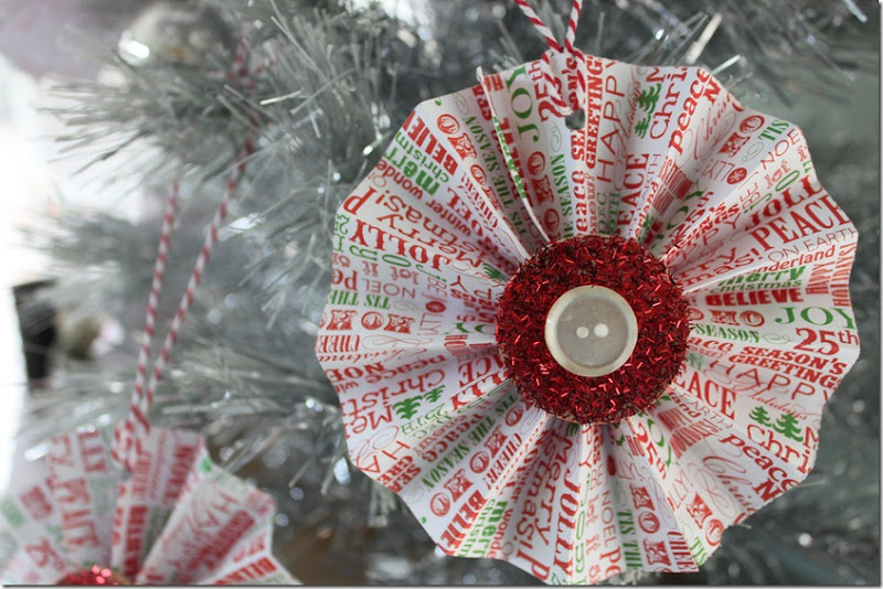 Christmas Rosette Ornaments 037
