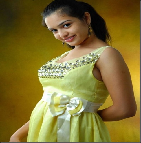 telugu-actress-yamini-latest-photo_hot