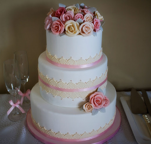 Sugar Rose Wedding CakePHTSP1 The first ever Bertie 39s Bakery wedding cake