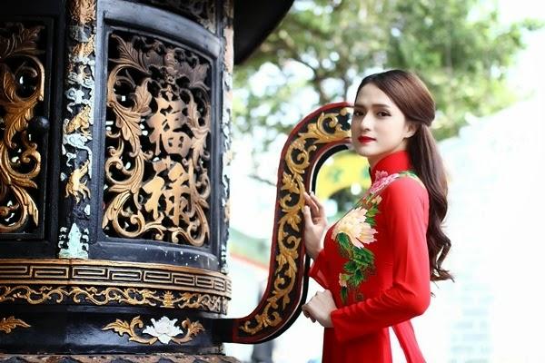 huong-giang-idol-di-le-chua (3)