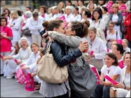 lesbicas beijo frança