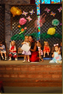g 2 year old school play (37)
