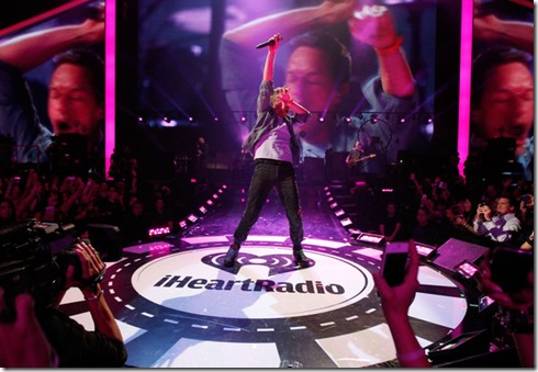 Chris Martin iHeartRadio Music Festival Day LGWSQSAFSdel