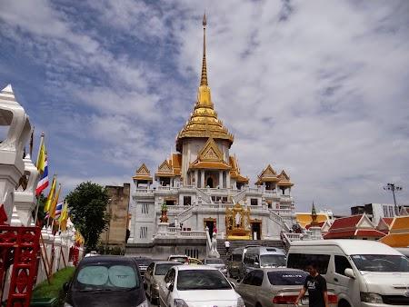 15. Wat Traimit, Bangkok.JPG