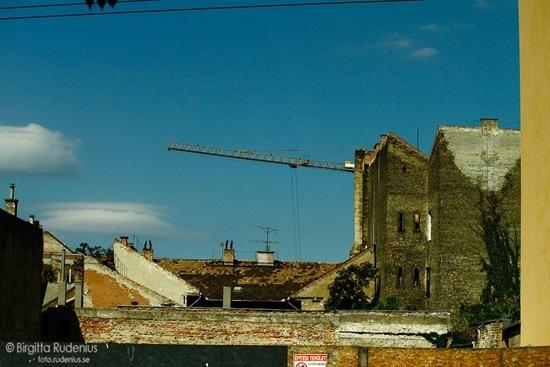 sky_20110914_brickwalls