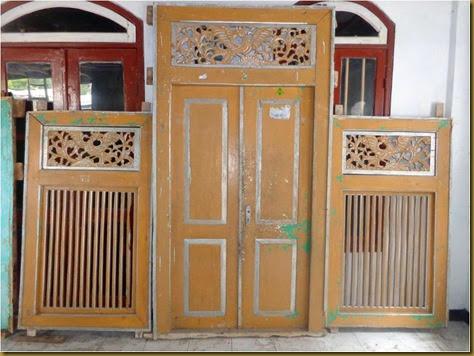 Pintu jendela rumah jaman BELANDA