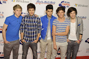1D … One Direction, my latest obsession. Louis and Harry are so cute!