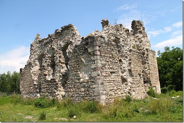 Замок у Середньому