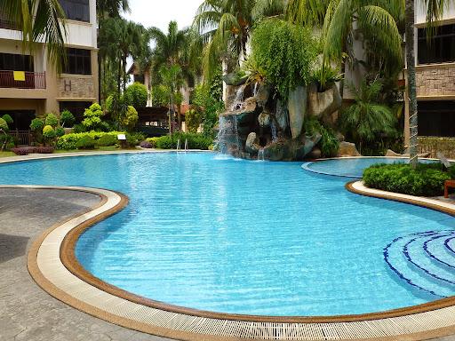 swimming-pool-maintenance.jpg