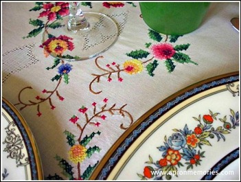 table cloth closeup www (Small)