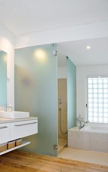 lavabos-encimeras-chalet-Casa-da-Atalaia-S3-arquitectos