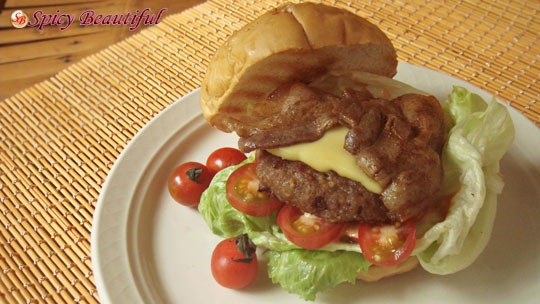 Pork-and-Beef-Cheeseburger-with-Toppings
