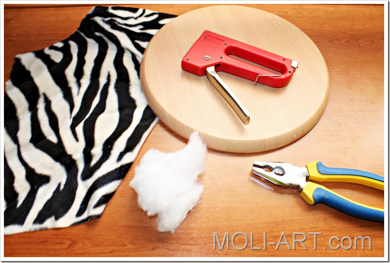 Diy tapizando moli art beauty blog - Grapadoras para tapizar ...