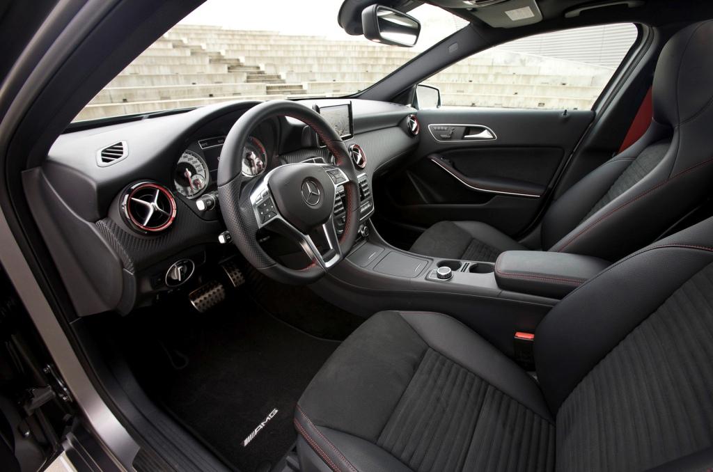 2013-Mercedes-A-Class-Interior-10.jpg?imgmax=1800