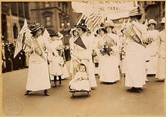 400px-Suffrage_parade-New_York_City-May_6_1912
