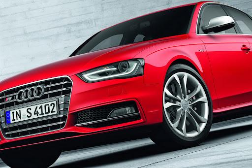 Audi-S4-05.jpg