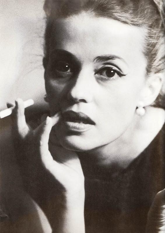 Jeanne Moreau by Dan Budnick, 1962.jpg