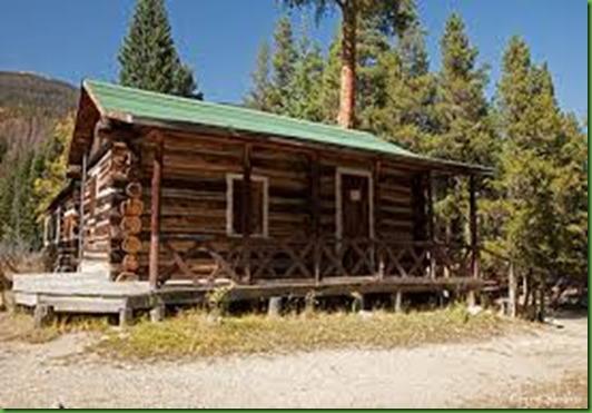 Holtzworth Mama Cabin