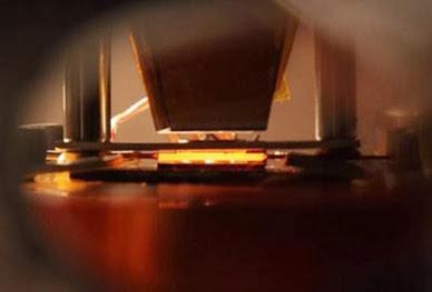 dispositivo solar termofotovoltaico