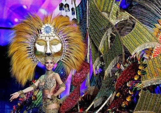 Nominee for Queen of the 2013 Santa Cruz carnival Suleima Martin.