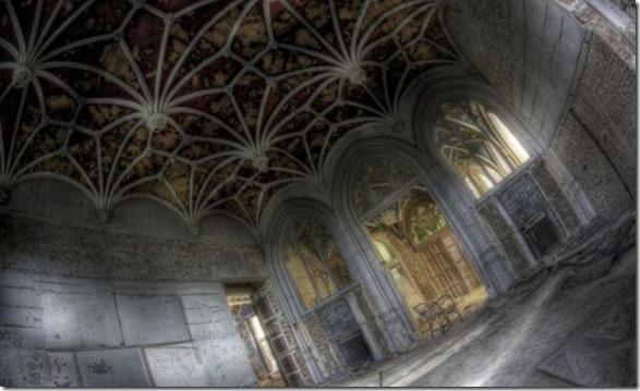 abandoned-castle-belguim-21