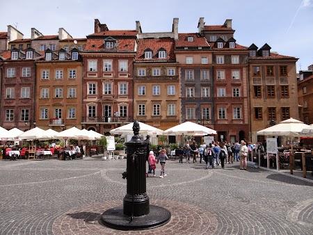 13. Piata Centrala din Varsovia.JPG
