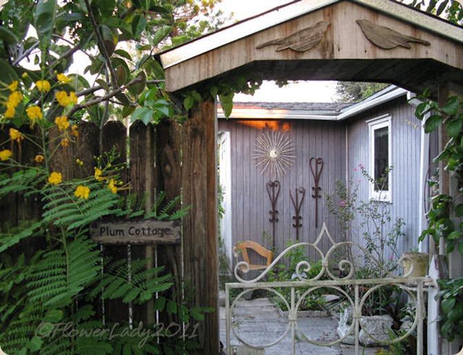 10-01-plum-cottage