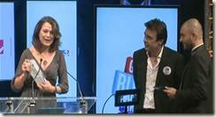 Aude Baron reçoit son trophée aux GBA2012 à la mairie de Paris