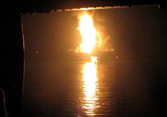 The KS Endeavour rig burns off the coast of Nigeria, 25 January 2012. PTI / indiatvnews.com