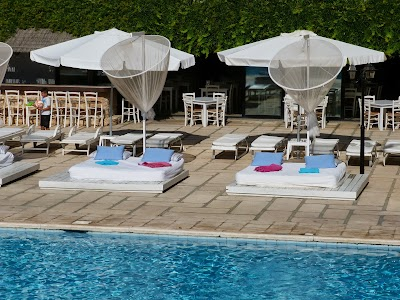 Cazare Cipru: Piscina Golden Bay Beach Larnaca