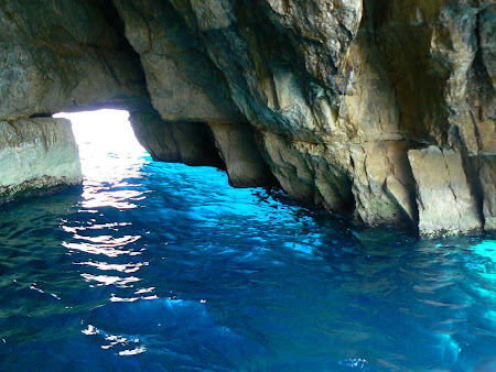 What to do in Malta: go inside the Blue Grotto