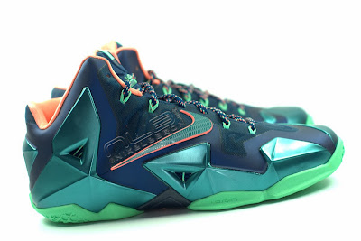 lebron11 akron vs miami 12 web white The Showcase: Nike LeBron XI Akron versus Miami. Part One.