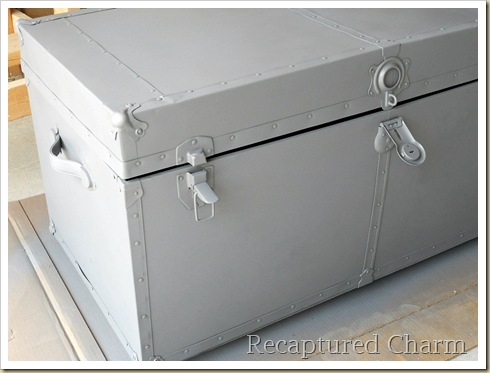 Metal Trunk Makeover 016a
