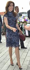 prada sko - hugo boss kjole - rika taske