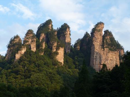 Munti in China: La revedere, Avatar