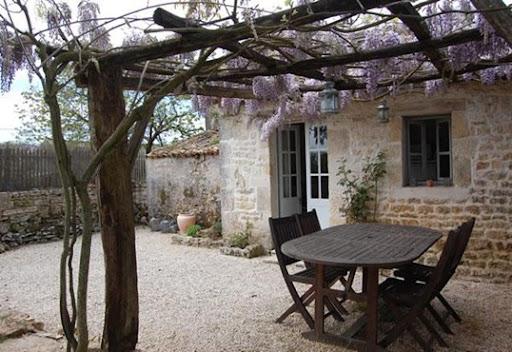 Case Di Campagna Francesi Rivista : Shabby and charme una casa colonica nella campagna francese