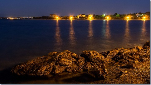 zaliv ponoči