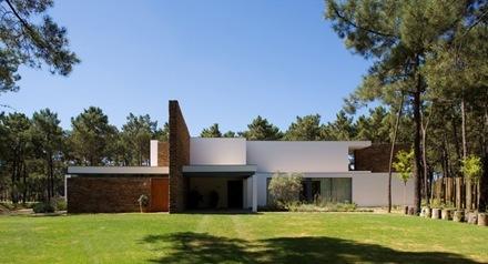 Casa-del-Lago-Arquitecto-Frederico-Valsassina_thumb[1]