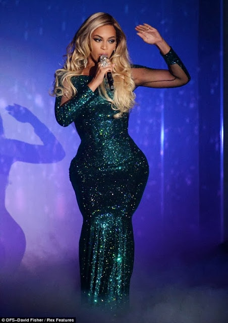 Beyonce Was A Glittering Goddess Last Night At The BRIT