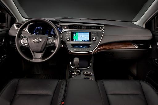 2013-Toyota-Avalon-07.jpg