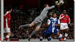 Manuel Almunia deja el Arsenal
