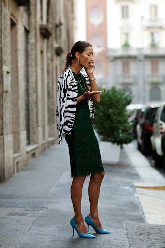 Bold combinations of elegant basics create a unique look. (www.thesartorialist.com)