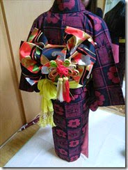 子供の作り帯を着付けて (2)