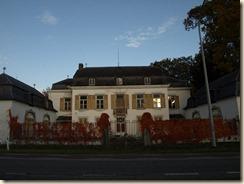 Guigoven, Tongersesteenweg: kasteel de Donnéa, thans onbewoond en in verval