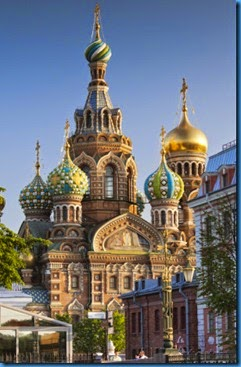 walter-bibikow-russia-st-petersburg-center-church-of-the-saviour-of-spilled-blood-on-griboedov-canal
