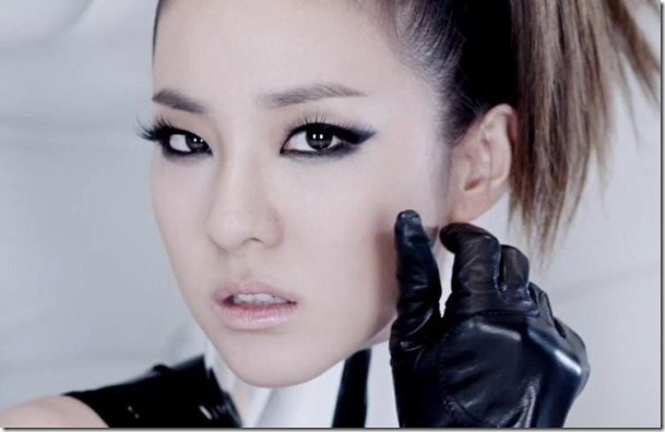 Korean-girl-band-2NE1-member-Dara-s-I-m-the-best-MV-makeup-makeup-32860401-747-581
