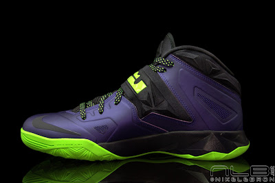 lebrons soldier7 purple volt 38 web black The Showcase: Nike Zoom LeBron Soldier VII JOKER